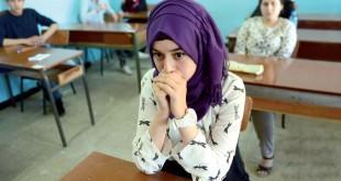 تلميذة مترشحة لشهادة البكالوريا